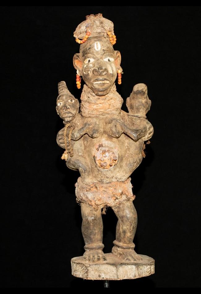 Statue maternité fétiche Yorouba Nigéria