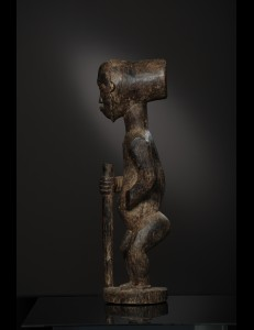 Statue guerrier Singiti Hemba RDC