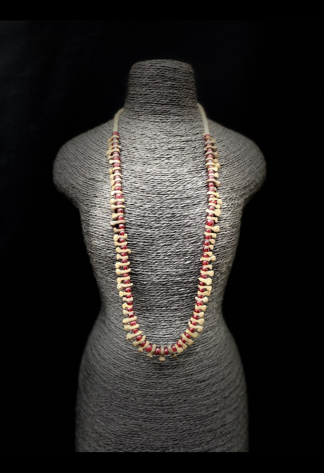 Collier africain en perles Bamiliké