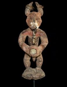 Statue fétiche masculin Ofika Mbole Fon Bénin