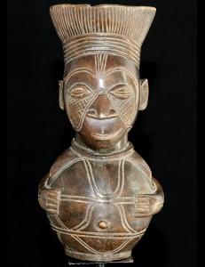 jarre cérémonielle antropomorphe Mangbetu