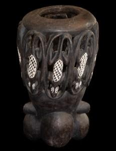 Imposant masque casque Bamoun Cameroun