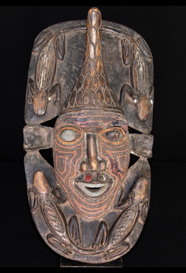 Magnifique masque perlé Bamiliké Cameroun